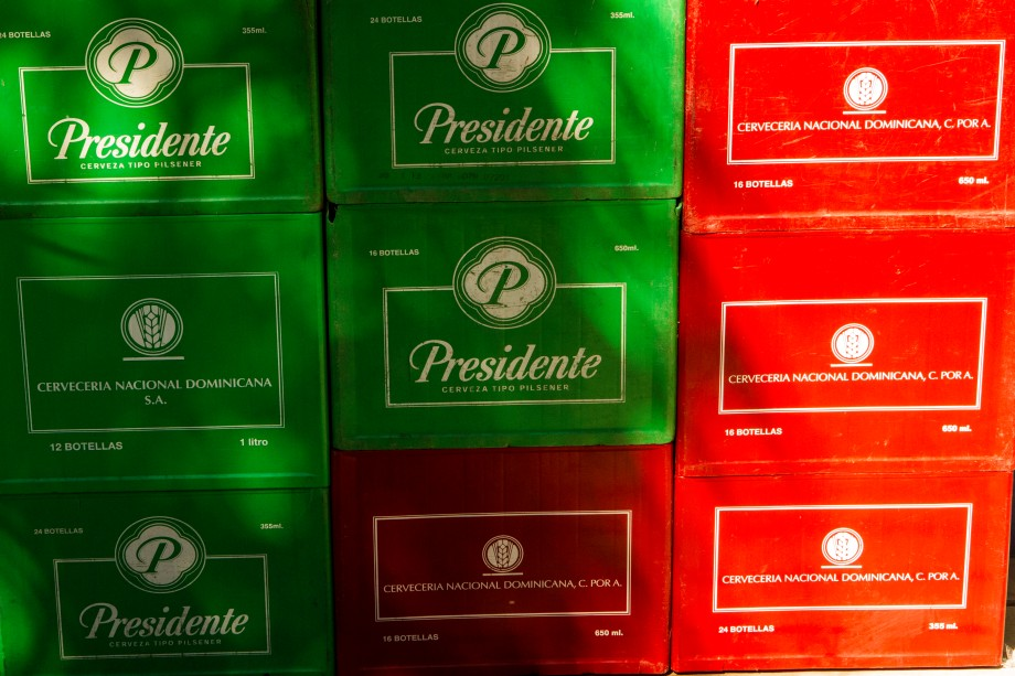 Beer cases - Red & Green